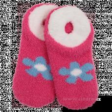 Hebounké ponožky domácí i spací fuchsiové s modrou kytkou