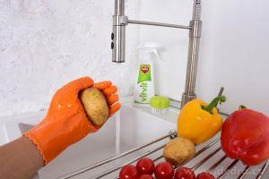 Rukavice na škrabání brambor a zeleniny